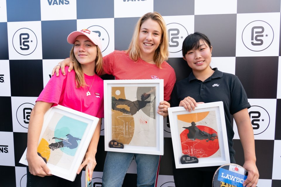 3rd - Brighton Zeuner (USA), 1st - Jordyn Barratt (USA), 2nd Kisa Nakamura (PND)  Photo: Anthony Acosta</span>