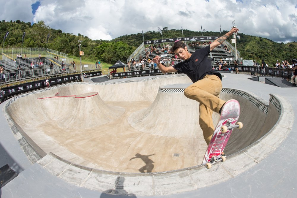 Willy Lara Frontside Noseblunt Bryce Kanights
