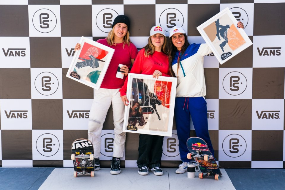 3rd Jordyn Barratt (USA), 1st Brighton Zeuner (USA), 2nd Yndiara Asp (BRA)  Photo: Anthony Acosta</span>